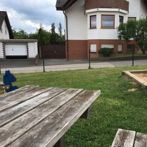 Bild 2: Spielplatz