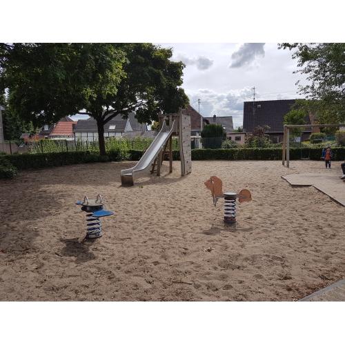 Bild 1: Spielplatz Schlehenweg