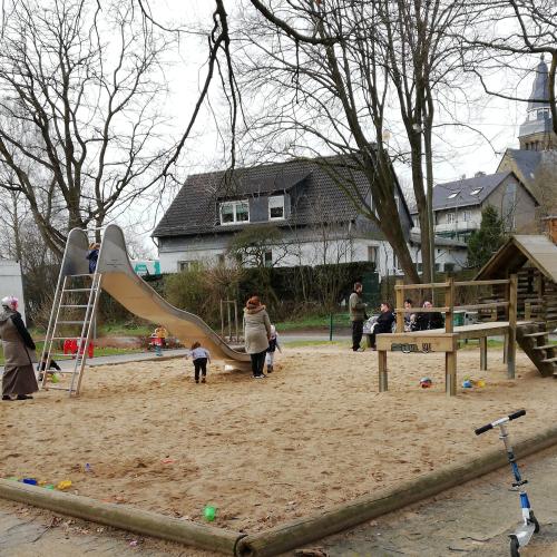 Bild 1: Spielplatz Leibuschstraße