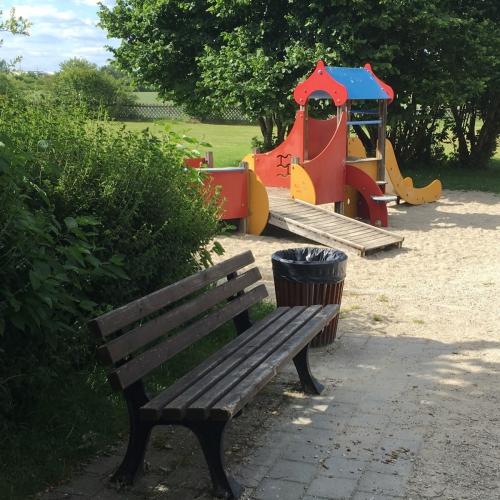 Bild 5: Spielplatz Niederfeld