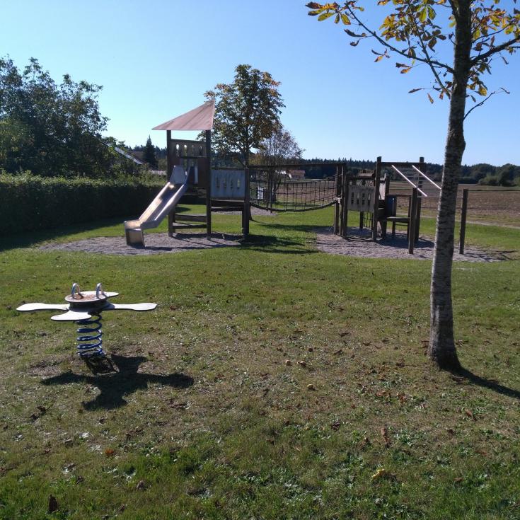 Bild 1: Spielplatz Oberjulbach