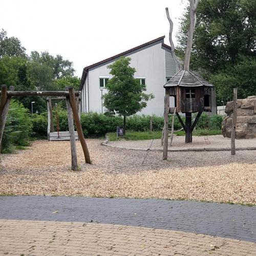 Bild 1: Spielplatz Plönzeile