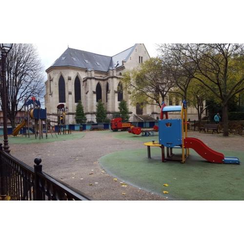 Bild 1: Spielplatz Rue d Archeveche