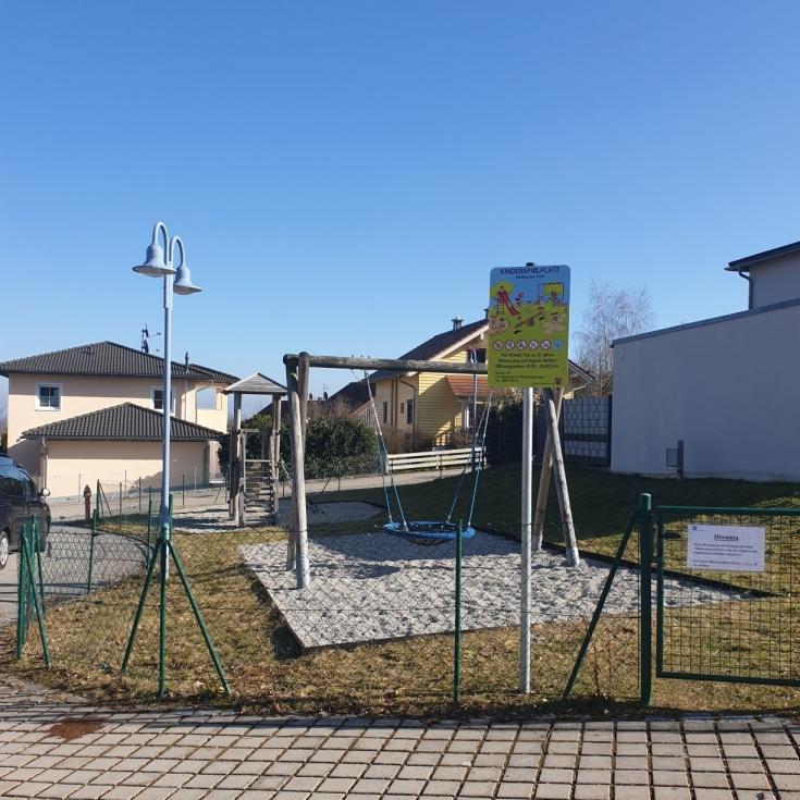 Bild 1: Spielplatz Waldhauser Feld