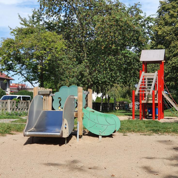Bild 1: Spielplatz Wehlitz