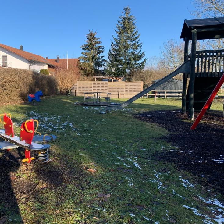 Bild 3: Spielplatz Weidenweg