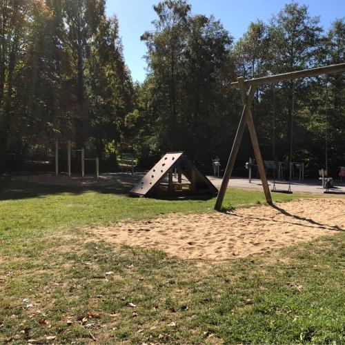 Bild 1: Spielwiese im Freizeitpark