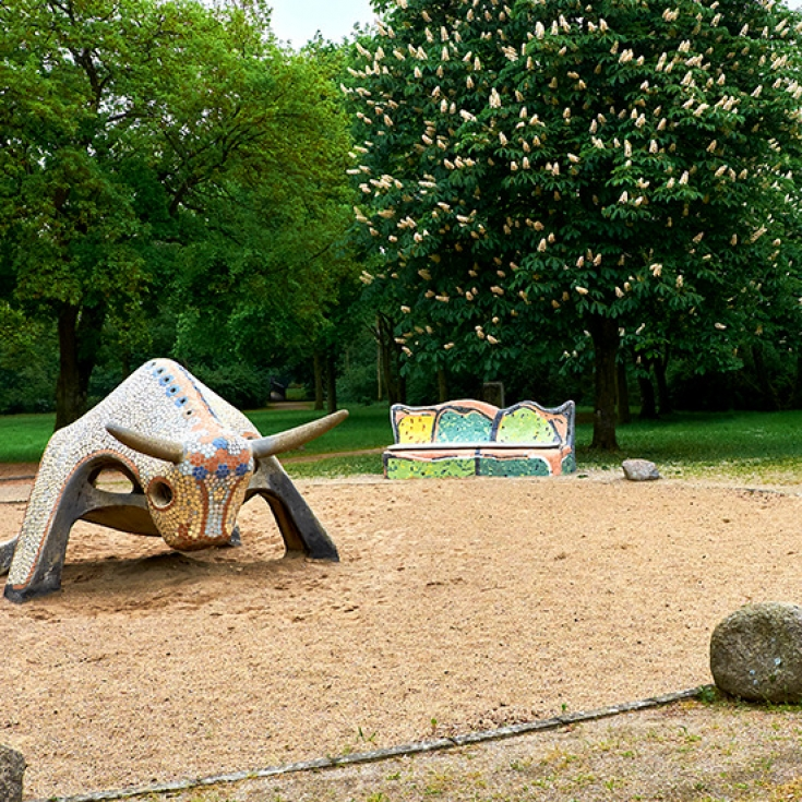 Bild 5: Stier-Spielplatz