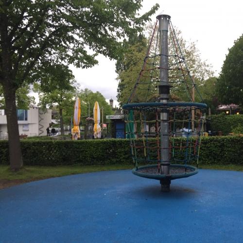 Bild 8: Uferspielplatz