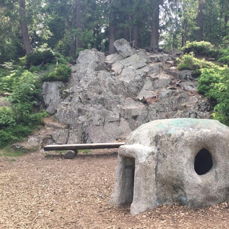 Bild 8: Waldspielplatz beim Wichtelpfad