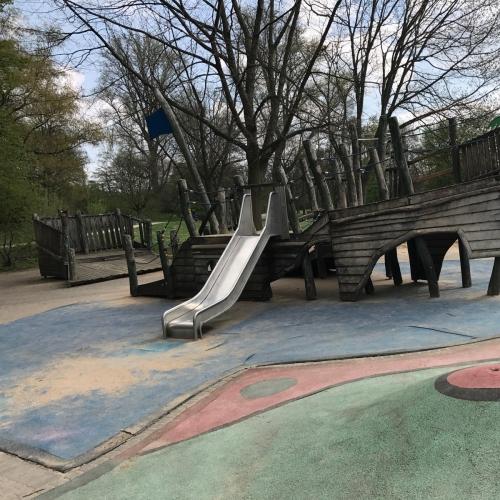 Bild 7: Wasserspielplatz im Volksgarten