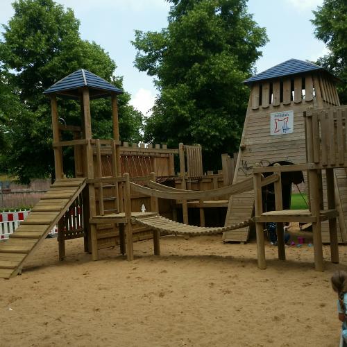 Bild 3: Zitadelle Spielplatz